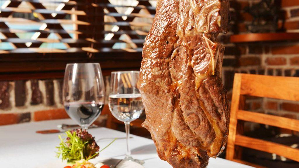 Excelentes restaurantes: Churrascaria de Bovino