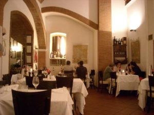 interior del restaurante La taverna