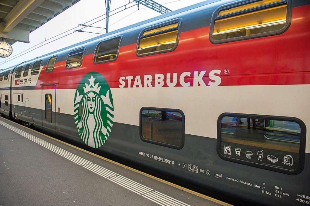 Starbucks en un tren, Suiza