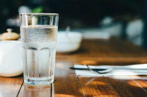 Bebidas para comer hot cakes: Agua natural